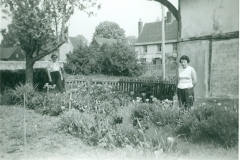 Phyllis & Mrs Williams in Garden - Brooklyn and Belson Home
